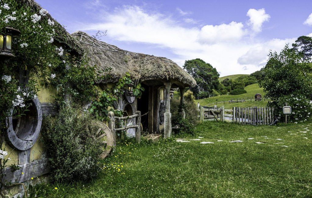 Nueva Zelanda Hobbit Pixabay - Seguir Viajando Agencia de Viajes